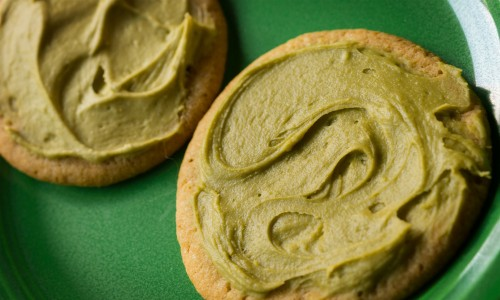 Marijuana-infused cookie frosting recipe with matcha green tea