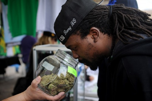 Recap: Plenty of free pot samples, and even sales, at Cannabis Cup's first day